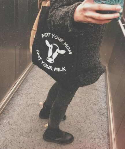 not_your_mom_not_your_milk_baumwolltasche_schwarz