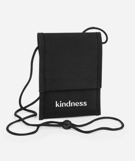 kindness-pouch-tasche-schwarz